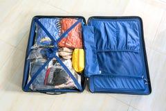 Pak de bagagezak voor sparen Ruimte in royalty-vrije stock afbeelding