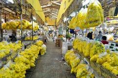 Pak Khlong Talad kwiatu rynek w Bangkok Obraz Stock