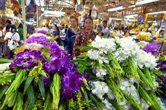 Pak Khlong Talad kwiatu rynek w Bangkok Fotografia Stock