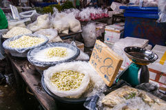 Pak Khlong Talat blommamarknad, Bangkok, Thailand Royaltyfri Bild