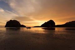 Pak Meng Beach solnedgångar Arkivbilder