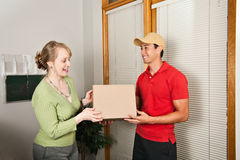 Paket-Anlieferung Stockfoto