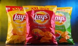 Paket av Lays potatischiper royaltyfria bilder