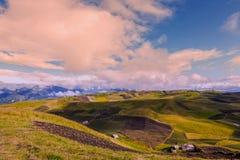 Pakete von Ländern mit verschiedenen Kulturen, Anden-Berge Stockfotos