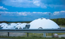 Pakhuis in de vorm van UFO stock foto