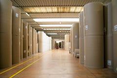 Pakhuis (document en cardoboard) in papierfabriek royalty-vrije stock foto's