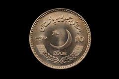 Pakistaans Tien die Roepiemuntstuk op Zwarte wordt geïsoleerd Royalty-vrije Stock Foto's