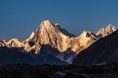 Pakistan Karakoram K2 som trekking royaltyfri foto