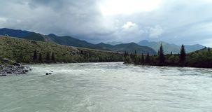 Pakistan: spill av floder och stormmoln arkivfoton