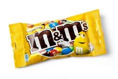 Pakket Pindam&m's melkchocola Stock Afbeeldingen