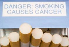Pakket van sigaretten Stock Foto's