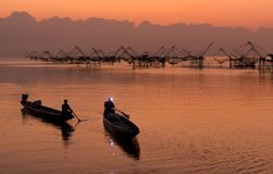 Pakpra met mooi ochtendlicht en hemel, het oriëntatiepunt van de vierkante netten van de visserijonderdompeling Royalty-vrije Stock Afbeelding