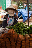 PAKSE, ΛΆΟΣ - 12 ΑΥΓΟΎΣΤΟΥ: Η άποψη μιας αγοράς στην πόλη Pakse είναι Στοκ φωτογραφία με δικαίωμα ελεύθερης χρήσης