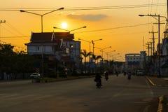 Pakse Champasak landskap, Laos 17 mars 2018: Soluppgång på en mai Arkivfoton