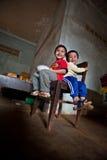 PAKSE, LAOS, le 14 août : Une séance non identifiée de petit garçon du Laos Image libre de droits