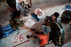 PAKSE LAOS, SIERPIEŃ, - 12: Widok rynek w Pakse mieście jest Obraz Royalty Free