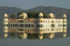 Palácio ambarino da água Imagens de Stock Royalty Free