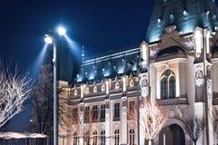Palácio da cultura em Iasi Romênia no inverno fotografia de stock royalty free