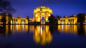 Palácio das belas artes na noite Fotos de Stock Royalty Free