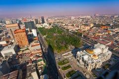 Palácio das belas artes, parque central de Alameda, México Foto de Stock Royalty Free