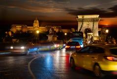 Palácio de Budavari e ponte Chain Foto de Stock Royalty Free