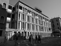Palácio de INAIL em Veneza em preto e branco Imagens de Stock