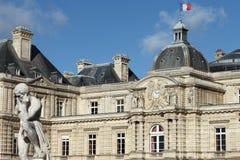 Palácio de Luxemburgo (Senado francês) em Paris, França Fotografia de Stock