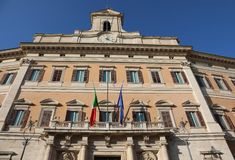 Palácio de Montecitorio em matrizes de Roma do italiano Parliame fotos de stock royalty free