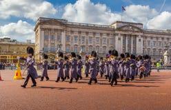 Palácio de Musicians Outside Buckingham do protetor de cavalo Fotos de Stock Royalty Free