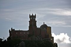 Palácio de Pena acima das nuvens Fotos de Stock