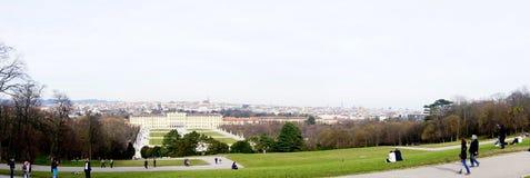 Palácio de Schonbrunn e de cidade de Viena opinião imagem de stock royalty free