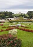 Palácio de Schonbrunn Jardins do palácio de Schonbrunn foto de stock