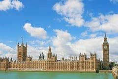 Palácio de Westminster e o Ben grande em Londres Imagem de Stock Royalty Free