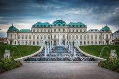 Palácio do Belvedere e fontes, Viena, Áustria foto de stock royalty free