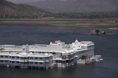 Palácio do lago Foto de Stock Royalty Free