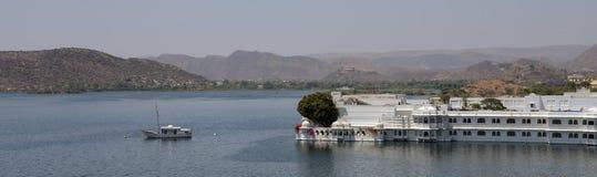 Palácio do lago no hotel de luxo de Udaipur Imagem de Stock