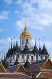 Palácio em bluesky, Banguecoque do metal imagens de stock royalty free