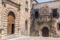 Palácio episcopal situado na plaza Santa Maria, façade principal, Ren fotos de stock royalty free