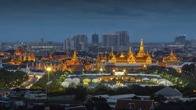 Palácio grande em Nightscene fotos de stock