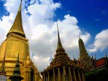 Palácio grande fabuloso e Wat Phra Kaeo - Banguecoque, Tailândia 1 Fotos de Stock