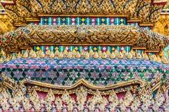 Palácio grande Phra Mondop Banguecoque Tailândia do detalhe da coluna fotos de stock royalty free