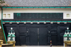 Palácio imperial do Tóquio o 31 de março de 2017 | Curso de Japão com marco da história Fotografia de Stock