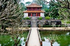 Palácio maravilhoso do templo de Vietnam na matiz foto de stock royalty free