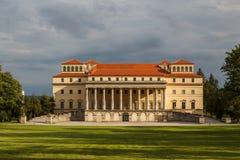 Palácio real de Esterhazy no centro de Eisenstadt Foto de Stock