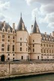 Palácio real medieval de Conciergerie imagens de stock royalty free