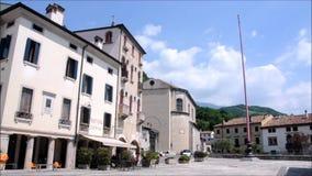 Palácios antigos na cidade de Vittori Vêneto filme