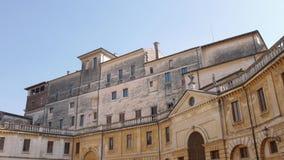 Palácios na praça Santa Barbara, Mantua vídeos de arquivo
