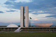 Palà ¡ cio dos Poderes在巴西利亚在黎明 免版税库存图片