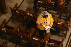 Palästinensische Christen an der Kirche St. Porphyrius in Gaza lizenzfreie stockfotografie