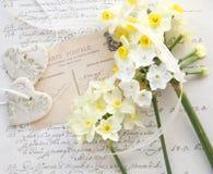 Pal kwitnie z sercami i starym pismem Zdjęcie Stock